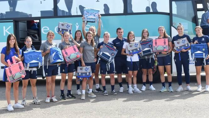 KAA Gent Ladies met 450 Samsonite-boekentassen en duizenden donuts naar slachtoffers van watersnood
