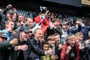 Supporters van Feyenoord vieren de overwinning tijdens de play-offs finale Conference League wedstrijd tussen Feyenoord en FC Utrecht in de Kuip op 23 mei 2021 in Rotterdam, Nederland.