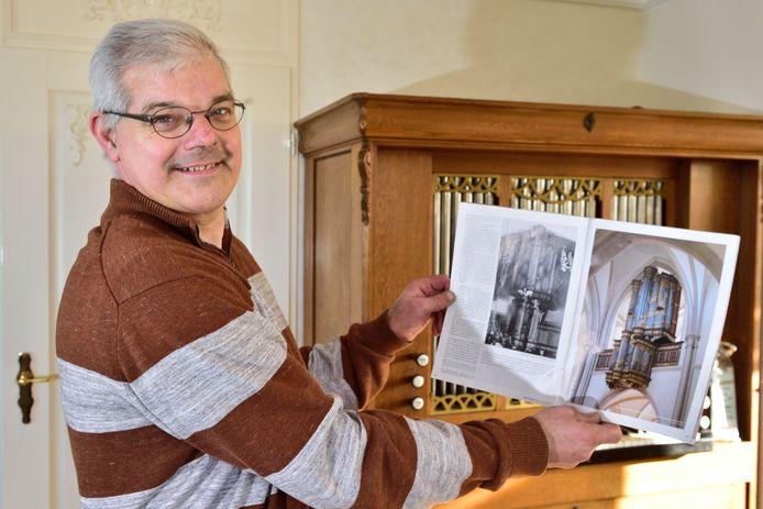 Het Nationaal Orgelmuseum in Elburg heeft de miniatuur gekregen van een beroemd Niehoff orgel. De bouw ervan kostte Pieter Oosterom (56) uit Gouderak ruim zeven jaar.