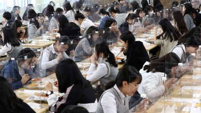 Zuid-Koreaanse scholen gaan na maanden weer open... en weer dicht