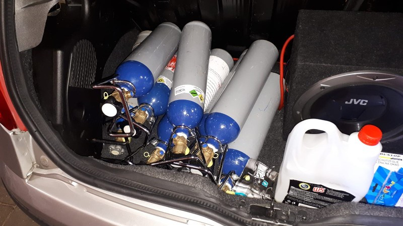 Cilinders met lachgas.