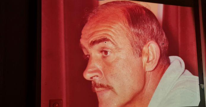 Tusaen alle foto's en dia's zat ook een portret van filmster Sean Connery in Deventer.