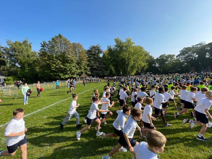 Interscholenwedstrijd veldloop in het stadspark van Aalst.