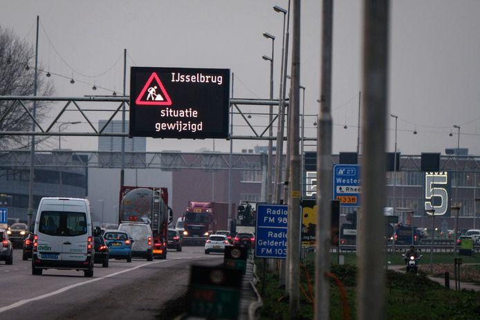 De A12 bij afslag Westervoort.