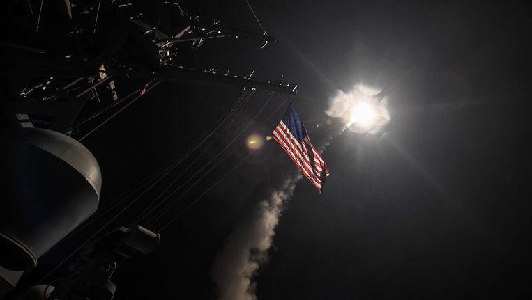 Een kruisraket wordt afgevuurd op Syrië vanaf de Middellandse Zee. Beeld reuters
