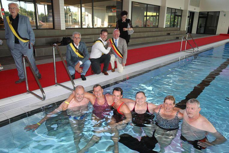 De familie Verbauwen zwom het zwembad in.