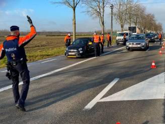 Tientallen agenten  krijgen applaus van gouverneur en procureur-generaal op Verkeersveilige Dag