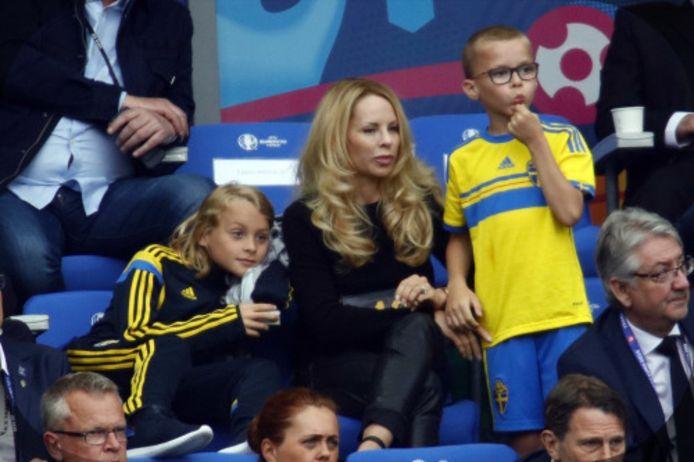 Helena Seger met de zonen Vincent en Maximilian.
