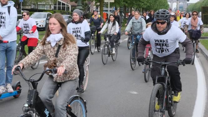 Enkele honderden fietsers trappen Cycle For Freedom op gang aan Jubelpark