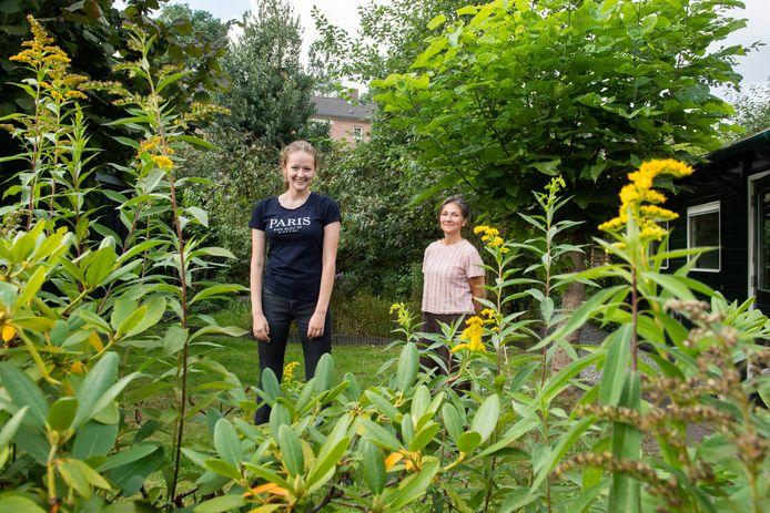Breda - Pix4Profs/René Schotanus. De tuin van Diana Smiers (R) en Meeke Sengers.