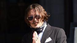"""Johnny Depp gooide telefoon naar hoofd Amber Heard en had aanvaring met haar zus: """"Ik wilde mezelf beschermen"""""""