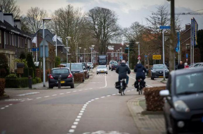 De Opwettenseweg wordt autoluw, toekomstig verkeer van en naar Nuenen-West gaat over een nieuw aan te leggen weg via het Wettenseind (Archieffoto).