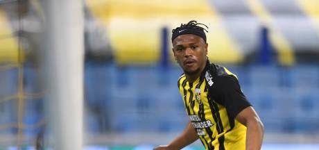 Vitesse huurt Openda nog een jaar van Club Brugge