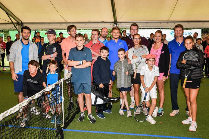 David Goffin et les jeunes du Royal Wellington THC
