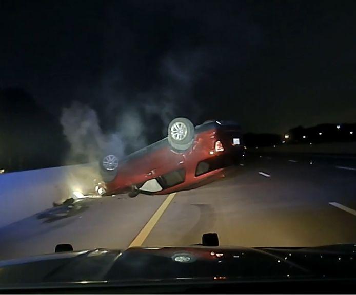Un policier de l'Arkansas est poursuivi en justice pour avoir percuté la voiture d'une femme enceinte.
