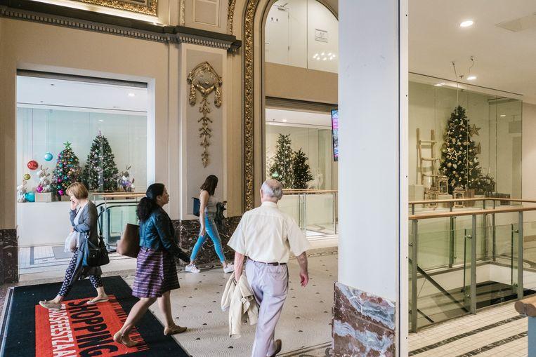 In de Stadsfeestzaal in Antwerpen zijn de eerste kerstbomen al opgedoken. Beeld Wouter Van Vooren