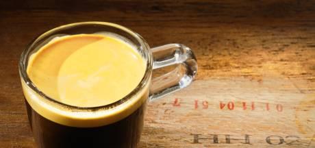 Dit café vraagt extreem bedrag voor een kop koffie: 'Krijg ik er een ticket naar Rome bij?'