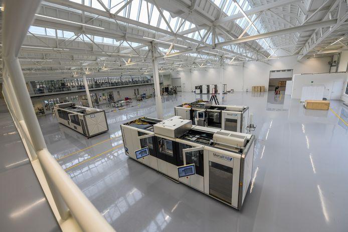 De showroom en productieruimte van Additive Industries in de geheel gerenoveerde oude Philips fabriek.
