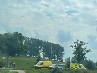 Twee auto's botsen aan Baverstraat: twee lichtgewonden