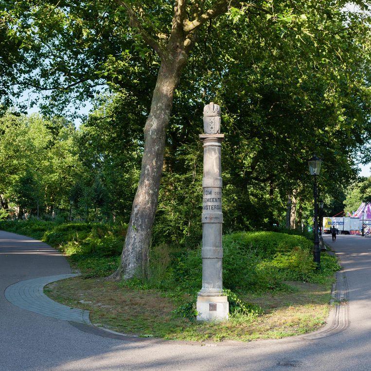 Ban-of limietpaal in Oosterpark. Beeld Nina Schollaardt