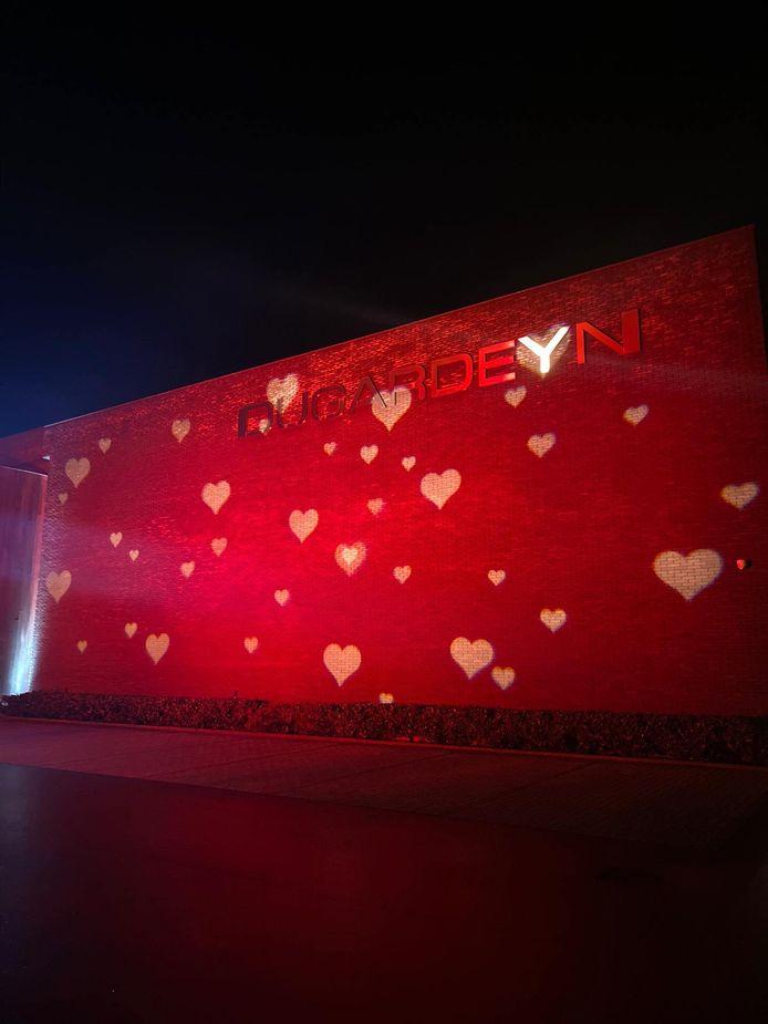Slagerij Dugardeyn kleurt vanaf dinsdag rood in aanloop naar Valentijn.