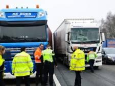 Derde ongeluk op A67: vijf vrachtwagens botsen op elkaar bij Geldrop