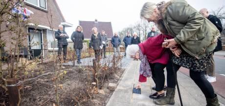 Gedenkstenen voor mannen verzetsgroep Den Ham: 'Dat ook oma grote risico's nam, wisten wij niet'