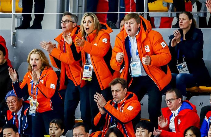 Koning Willem-Alexander en koningin Maxima in de Gangneung Oval op de 3000 meter tijdens de Olympische Winterspelen van Pyeongchang.