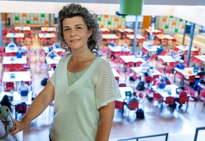 Docent Andrea van Ewijk: ,,Werken in het onderwijs is fantastisch. Ik ga ook helemaal op in mijn werk. Maar het blijft wel werk. Ik bedoel, daar hoor je veilig te zijn.''