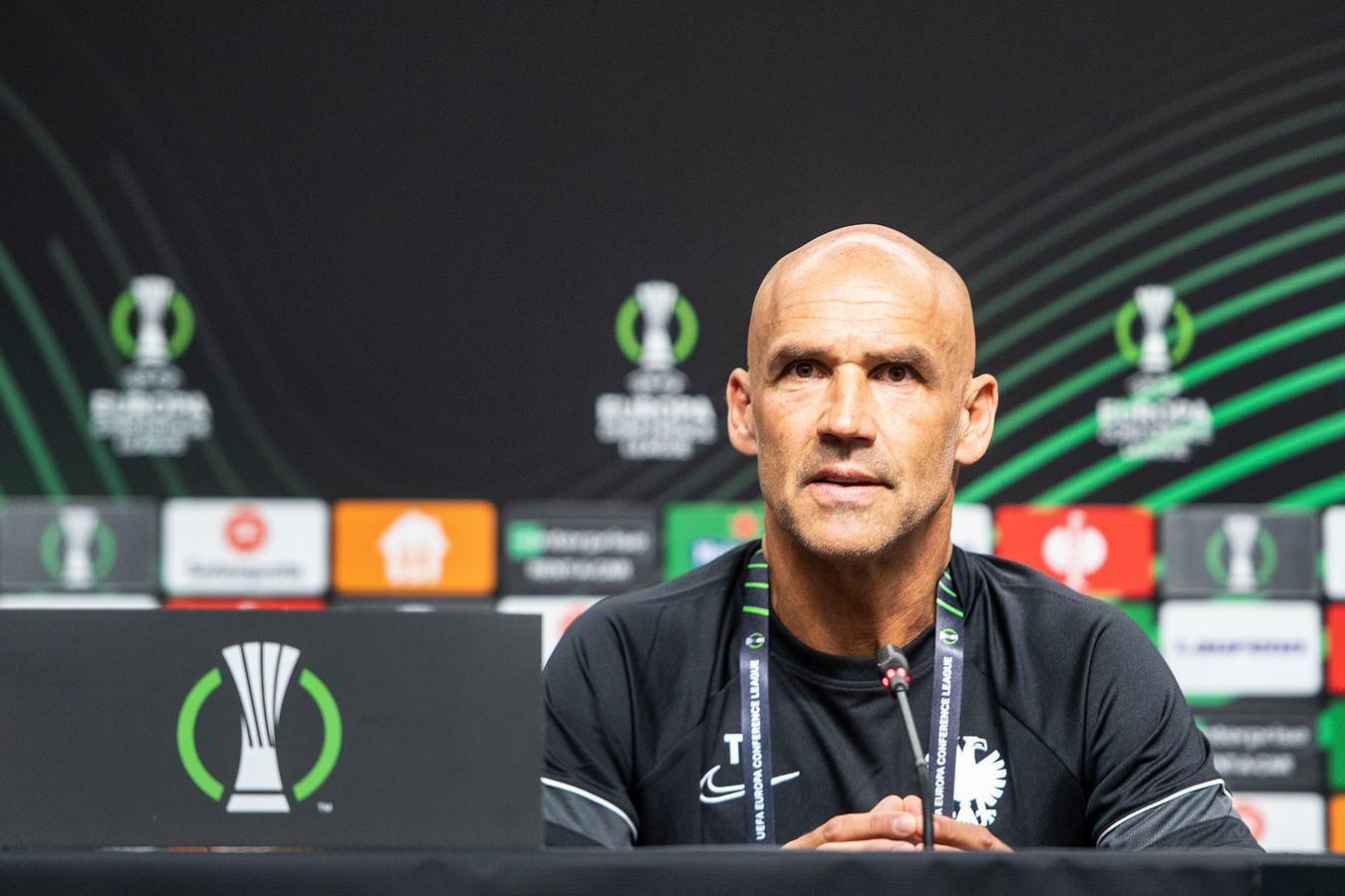 Thomas Letsch tijdens de persconferentie in stadion Ljudski Vrt in Maribor.