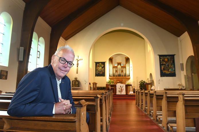 Bert de Weerd in de rooms-katholieke kerk van Maurik