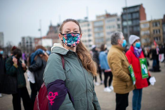 Op het Antwerpse Sint-Jansplein kwamen vandaag 100 actievoerders samen om te strijden voor gelijke vrouwenrechten: Sarah Scheepers, mede-organisator.