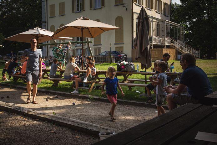 Parkkaffee in Mariakerke is de oudste zomerbar van Gent.