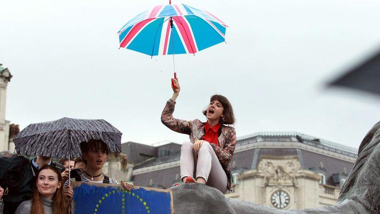 Britten demonstreren tegen de Brexit op het Trafalgar Square in Londen, afgelopen dinsdag. Beeld epa