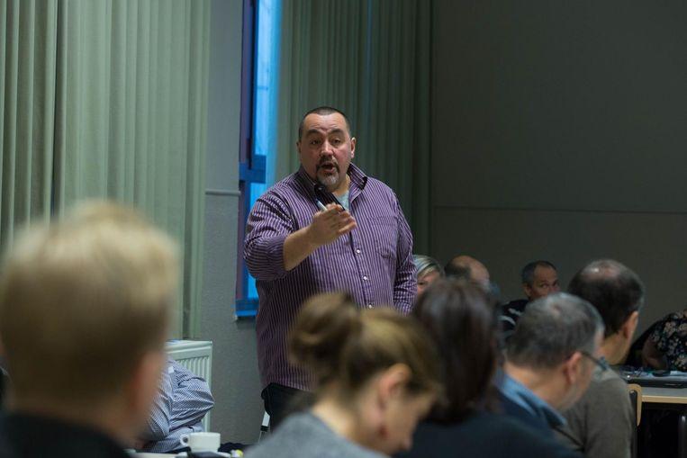Crisispsycholoog Erik de Soir modereerde tijdens de crisisoefening.