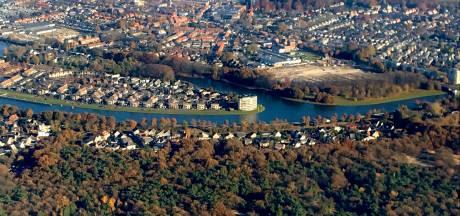 Vijf honden vergiftigd in Oosterhout: 'Laat honden niet drinken of zwemmen in stilstaand water'