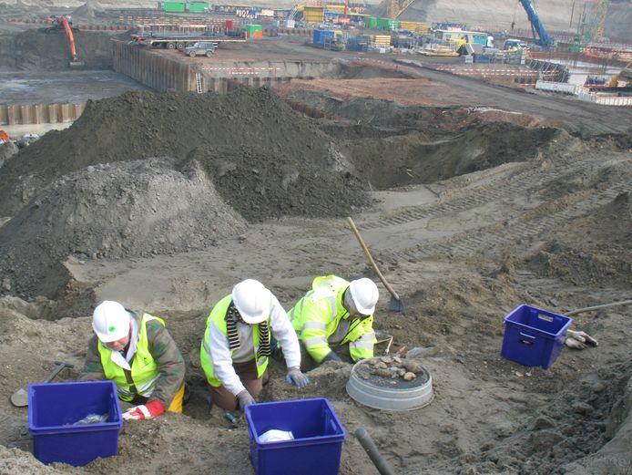 De opgravingen ten tijde van de aanleg van de Kieldrechtsluis in de Antwerpse haven.