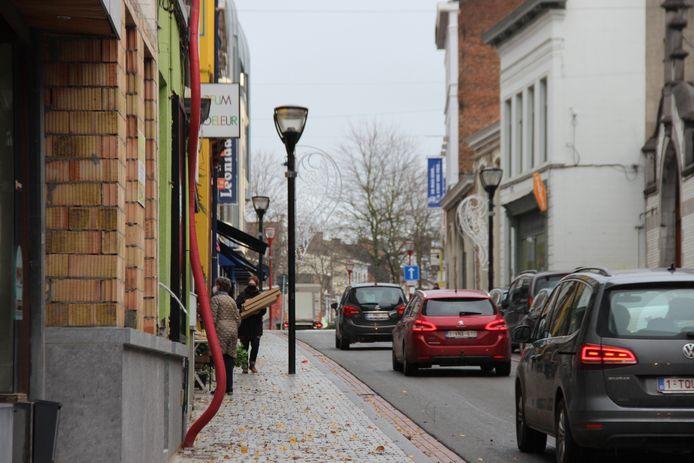 De heropening van de niet-essentiële winkels in Ronse is rustig verlopen.