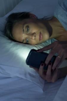 """Se coucher tard tous les soirs n'est pas sans conséquence: une experte met en garde contre le """"syndrome de retard de phase du sommeil"""""""