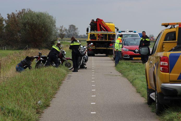 De motorrijder kwam uiteindelijk in de berm terecht.