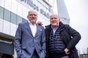 Willy (links) en René van de Kerkhof bij het Philips Stadion.