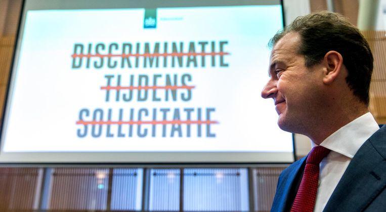 Toenmalig minister Lodewijk Asscher van sociale zaken gaf het startsein voor een campagne tegen arbeidsmarktdiscriminatie. Beeld ANP