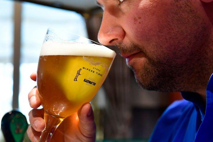 De Wipers Times 14 is een blond  speciaal bier met hoge gisting, gebrouwen met vier granen en gehopt met streekeigen hop en afgewerkt met vier kruiden. Proost!