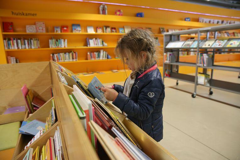 De prestaties begrijpend lezen van Vlaamse tienjarigen, die in vergelijking met 2006 ook een stuk minder graag lezen, gaan in een internationale studie fors achteruit. Beeld Hollandse Hoogte / Harold Versteeg