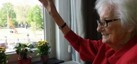 105-jarige mevrouw Werther hoopt dat de koning terugzwaait