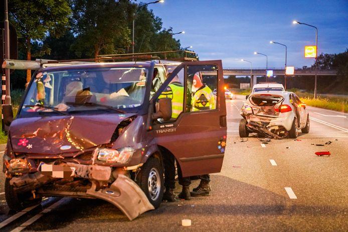 Politie-onderzoek na het ongeluk op de A270 bij Helmond.