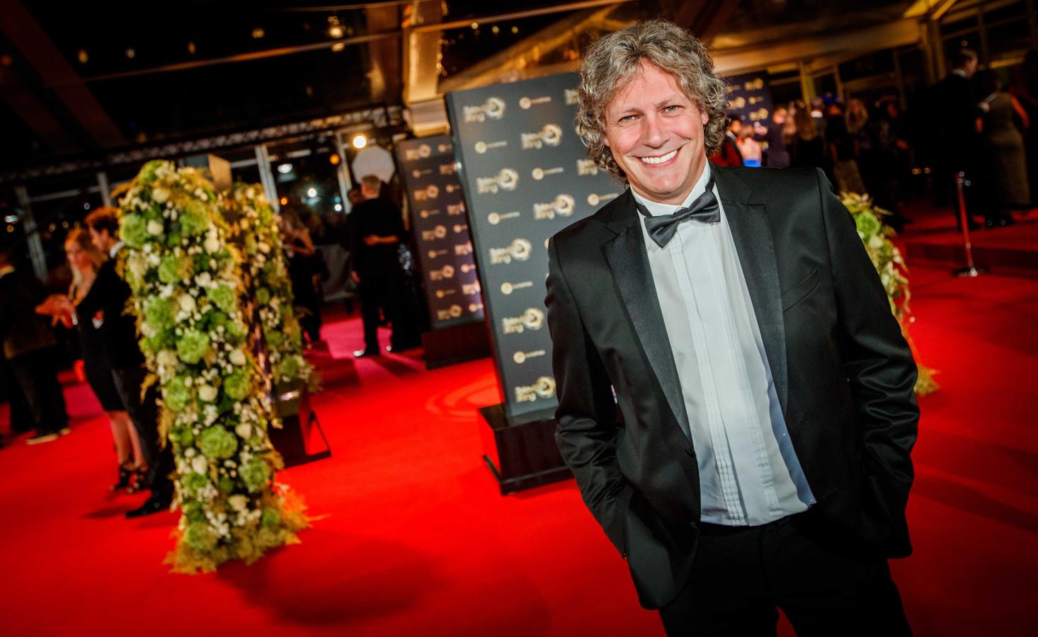 Edwin van Hoevelaak op de rode loper van het 52ste Gouden Televizier-Ring Gala. Hij wil een eerbetoon maken aan Max Verstappen met een lied.