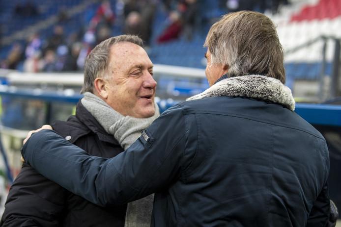 Dick Advocaat met Heerenveen-coach Jan Olde Riekerink.