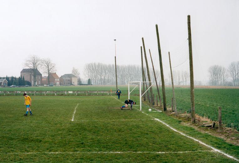 De wedstrijd VK Nederzwalm - Horebeke: 2-1, KVV 3e B zondag. Beeld Hans van der Meer