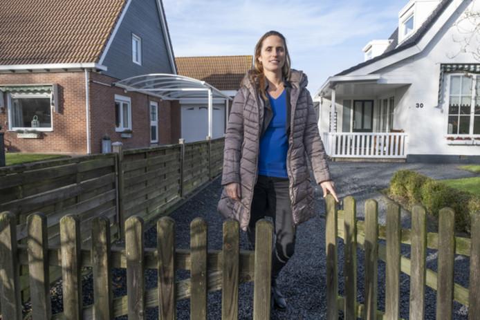 Vanessa Verhage houdt toezicht op woningen die niet permanent worden bewoond.